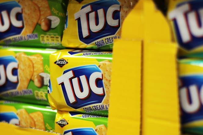 Jacob's Tuc Crackers Sour Cream and Onion Pack Shot